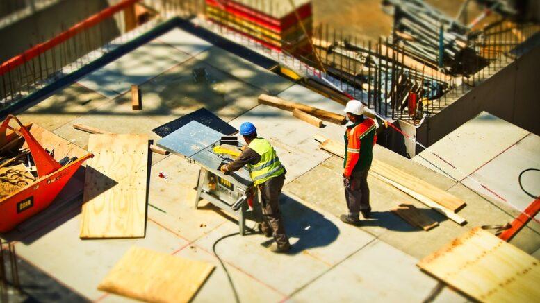 85% všech pracovních úrazů vzniká ve stavebnictví